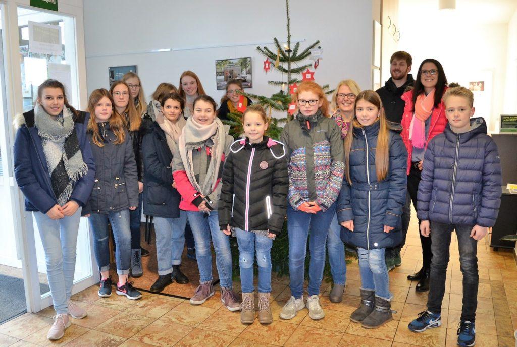 Gruppenfoto - Caritas Wunschbaum